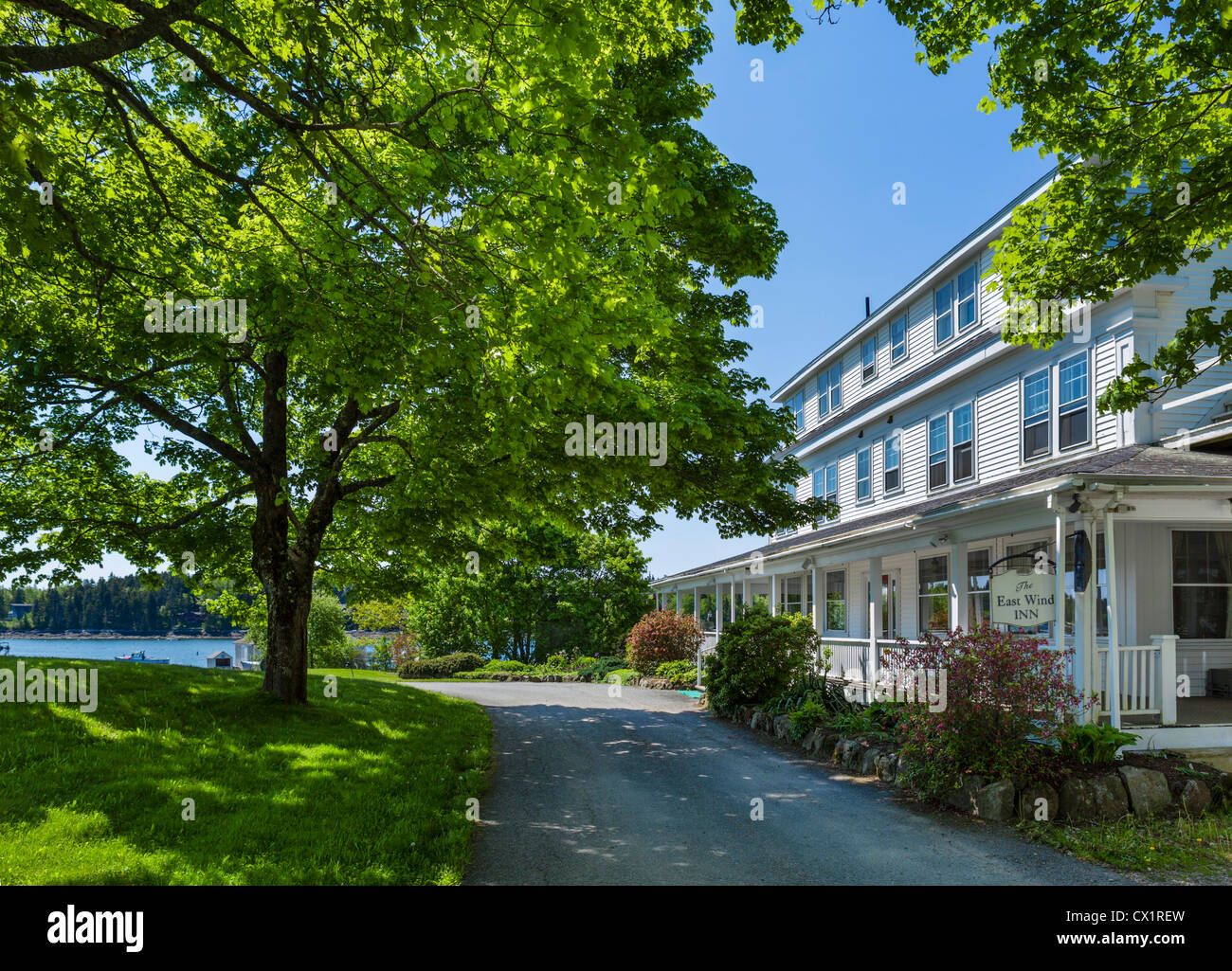 The East Wind Inn in the village of Tenants Harbor on St George Peninsula, Knox County, Maine, USA - Stock Image