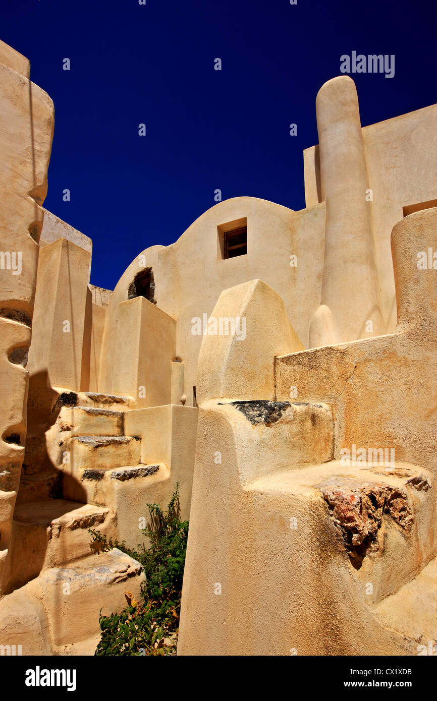 Impressive architecture in the old part of Embourios village, in the inland of Santorini island, Cyclades, Greece - Stock Image