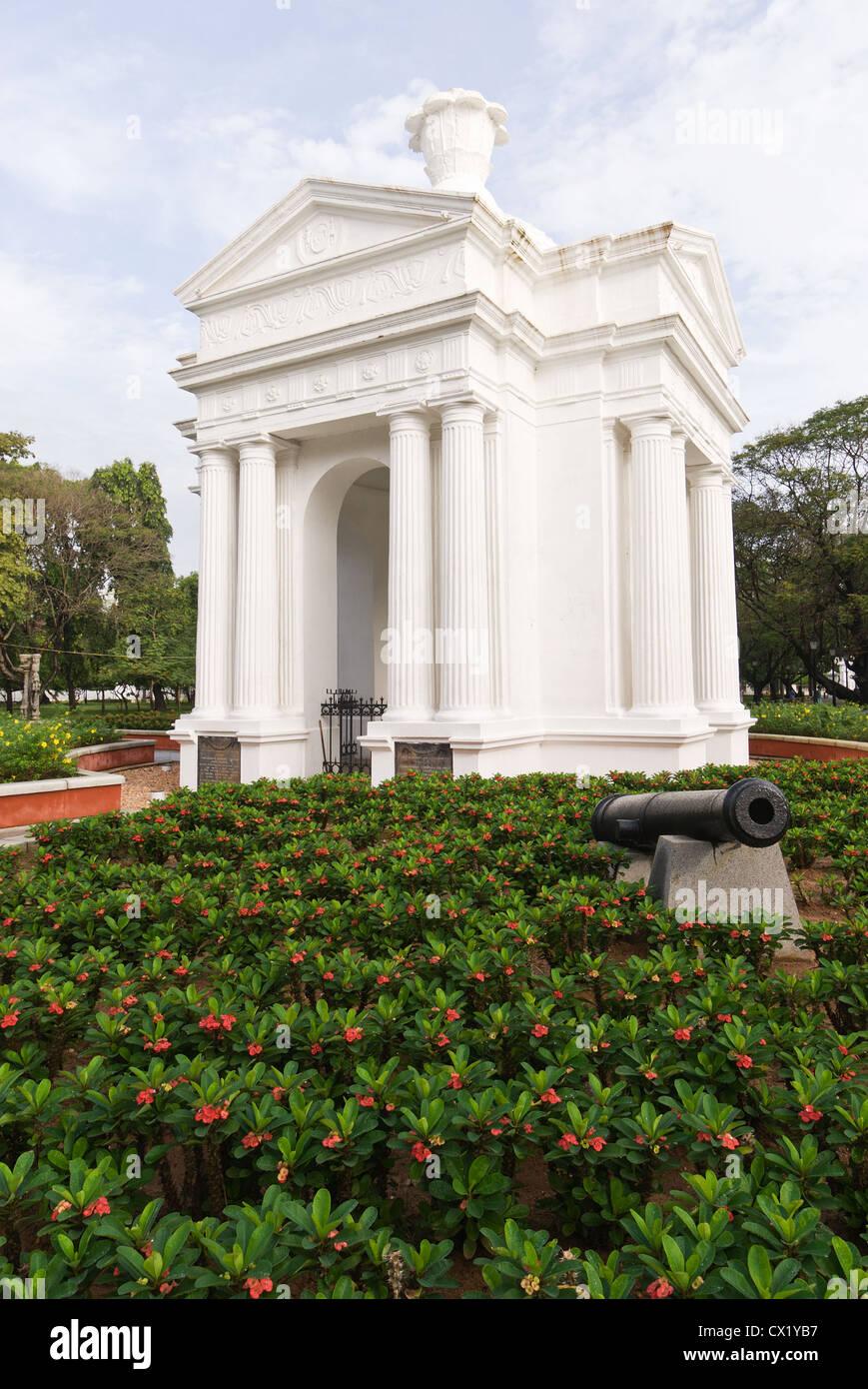 Elk201-4428v India, Tamil Nadu, Pondicherry, Government Square - Stock Image