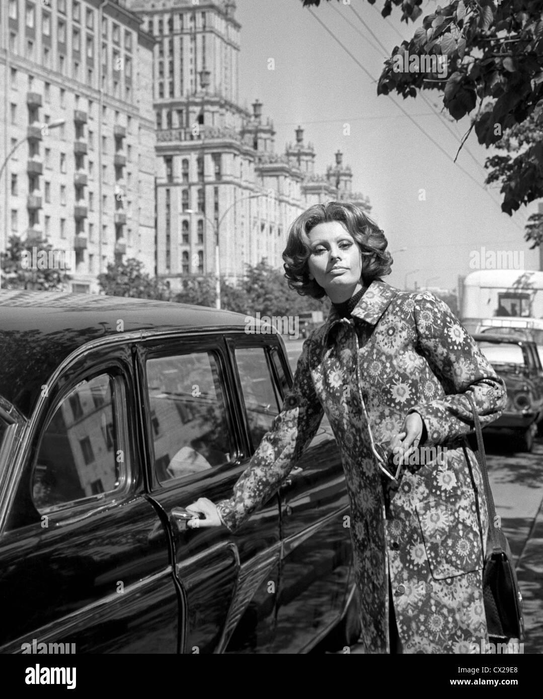 Moscow. USSR. Italian film actress Sophia Loren is pictured at Kutuzov Avenue. Photo TASS / Valentin Mastyukov . - Stock Image