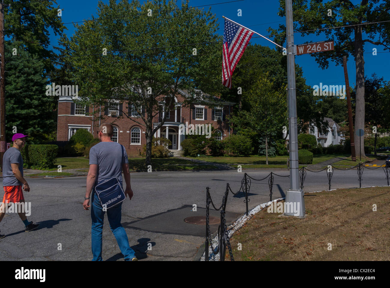 Bronx, New York, NY, USA, Tourists Visiting Fieldston Historic District, 'Wave Hill' Public Garden,Street - Stock Image