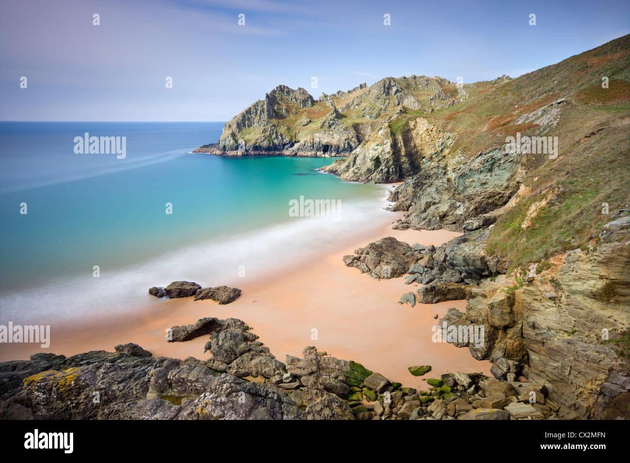 Pristine sandy beach at Elender Cove, looking towards Gammon Head, Salcombe, South Hams, Devon, England. - Stock Image