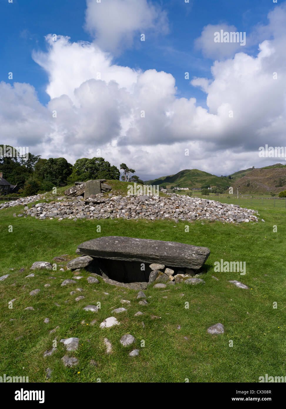 dh Kilmartin Glen KILMARTIN ARGYLL Nether Largie cairn south Neolithic burial cairn Clyde type chambered tomb - Stock Image