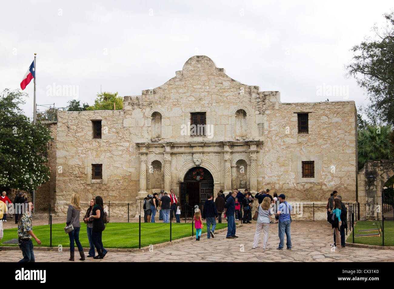 Tourists visiting Alamo, San Antonio Texas - Stock Image
