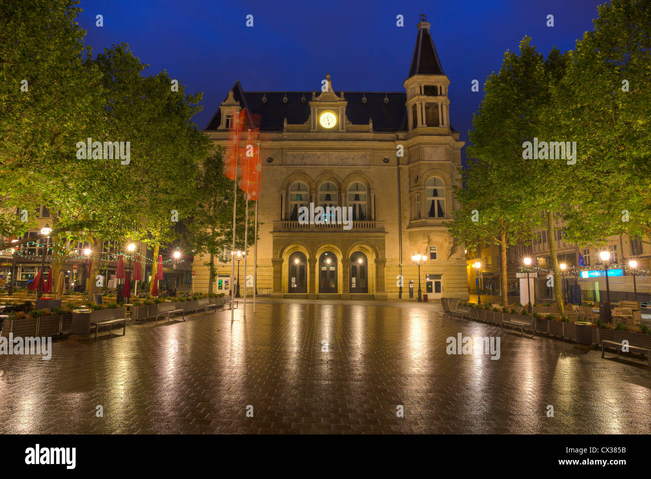 Luxembourg City - Place d'Armes and Cercle Municipal at night. - Stock Image