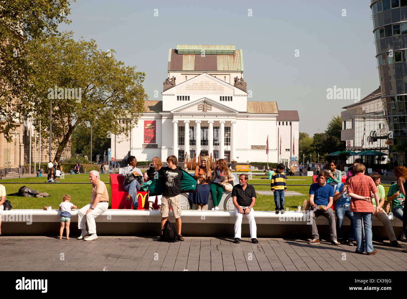 square König-Heinrich-Platz and the City Theater in Duisburg, North Rhine-Westphalia, Germany, Europe - Stock Image