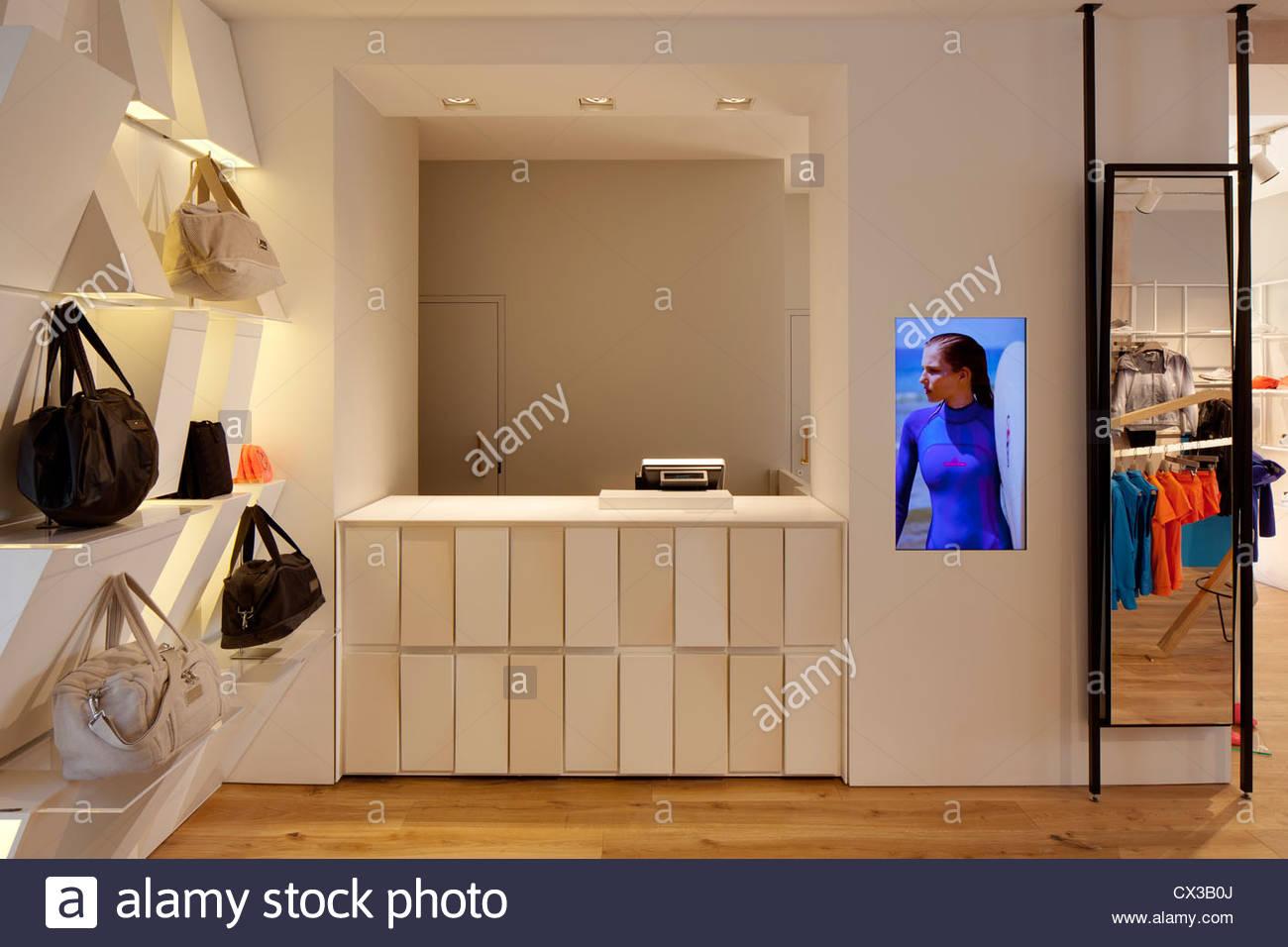Cash Desk Stock Photos & Cash Desk Stock Images - Alamy