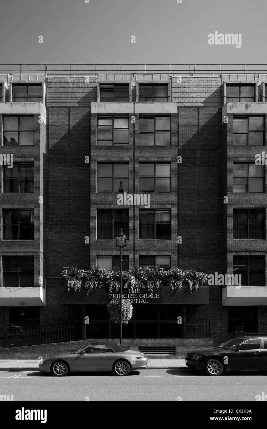 The Princess Grace Hospital, London, United Kingdom. Architect: Richard Seifert, 1977. - Stock Image
