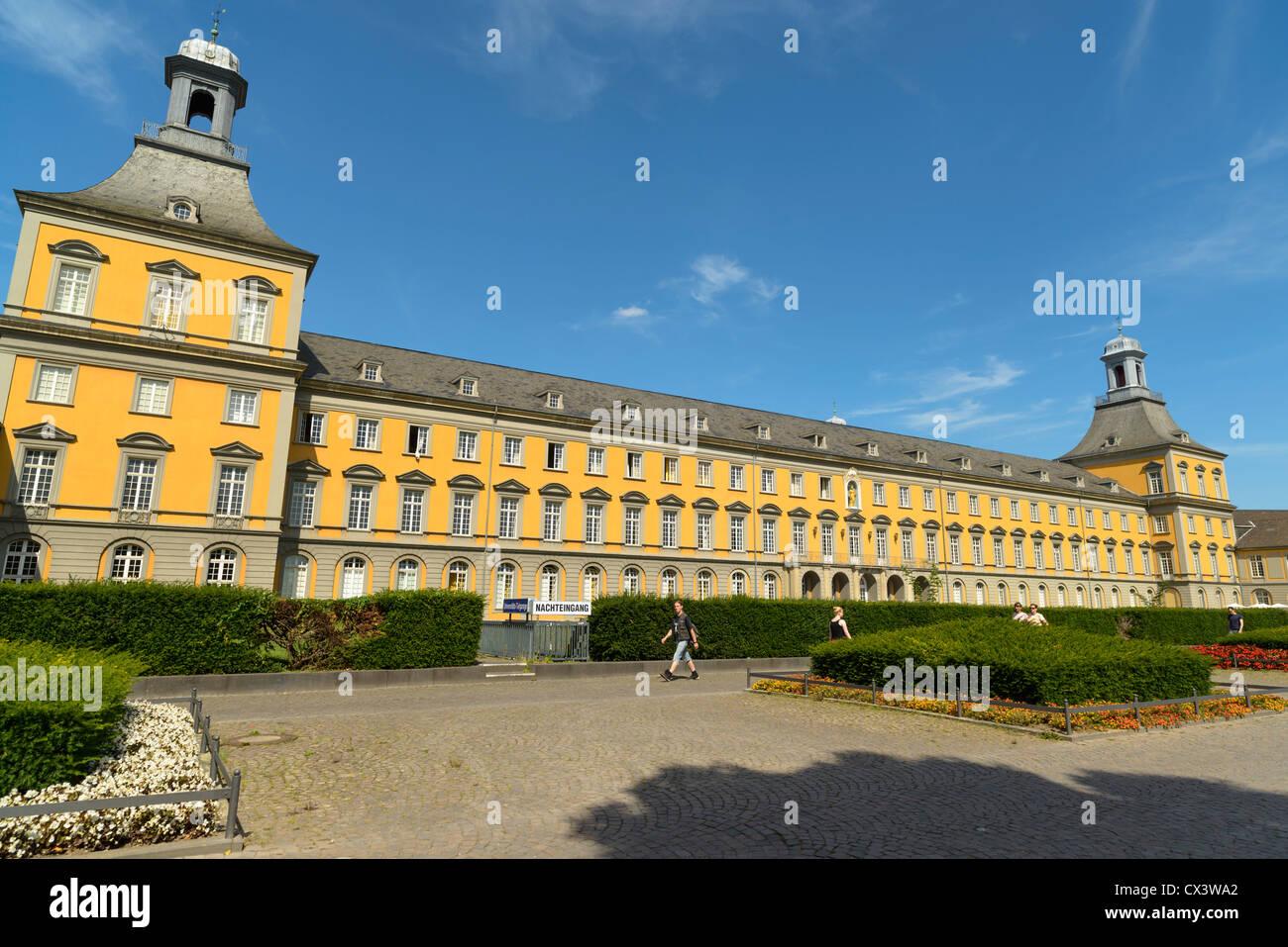 Kurfurstliches Schloss, Bonn, Germany - Stock Image