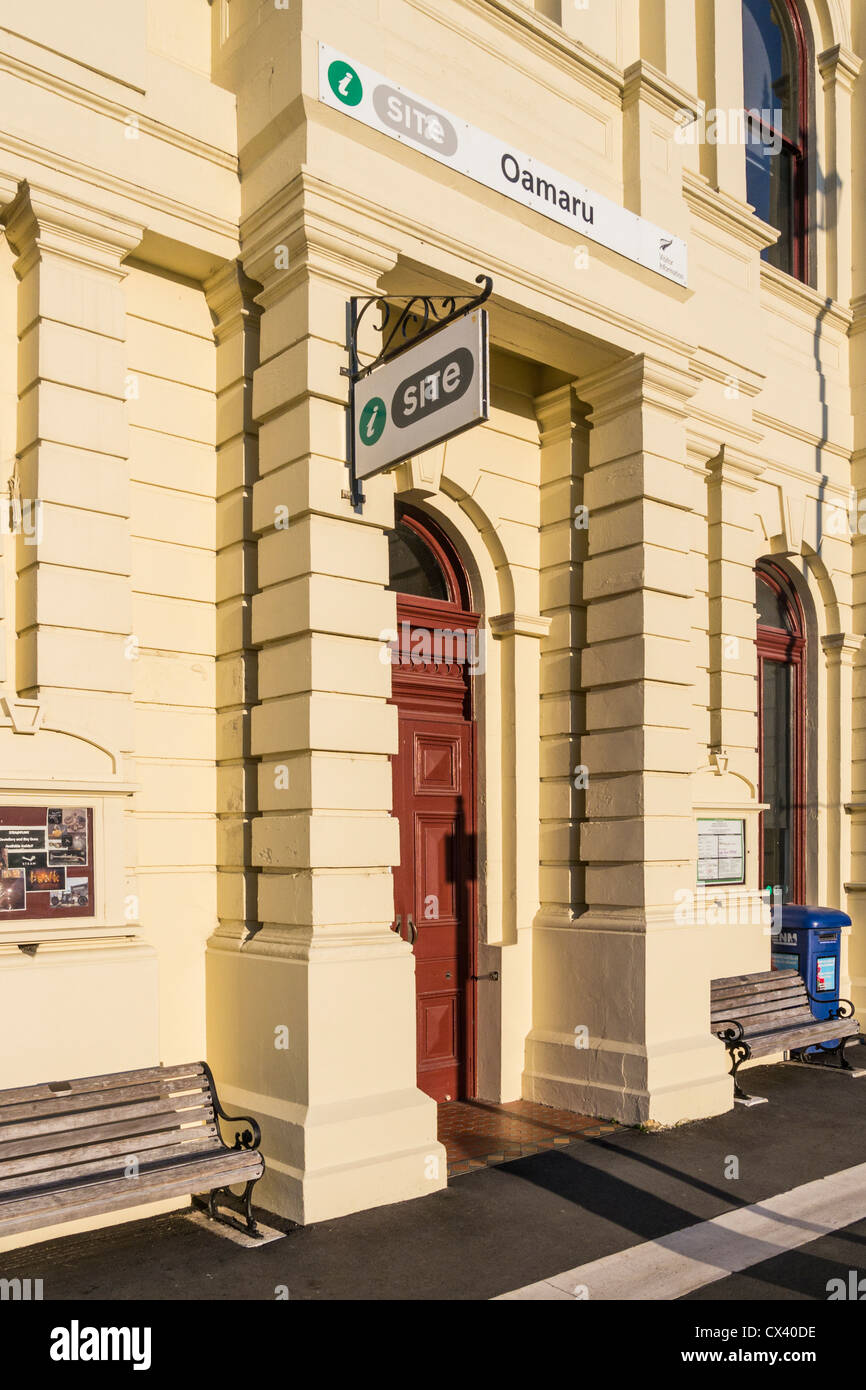Entrance to the Visitor Information Centre in Oamaru, Otago, New Zealand. This is the former Bank of New Zealand - Stock Image