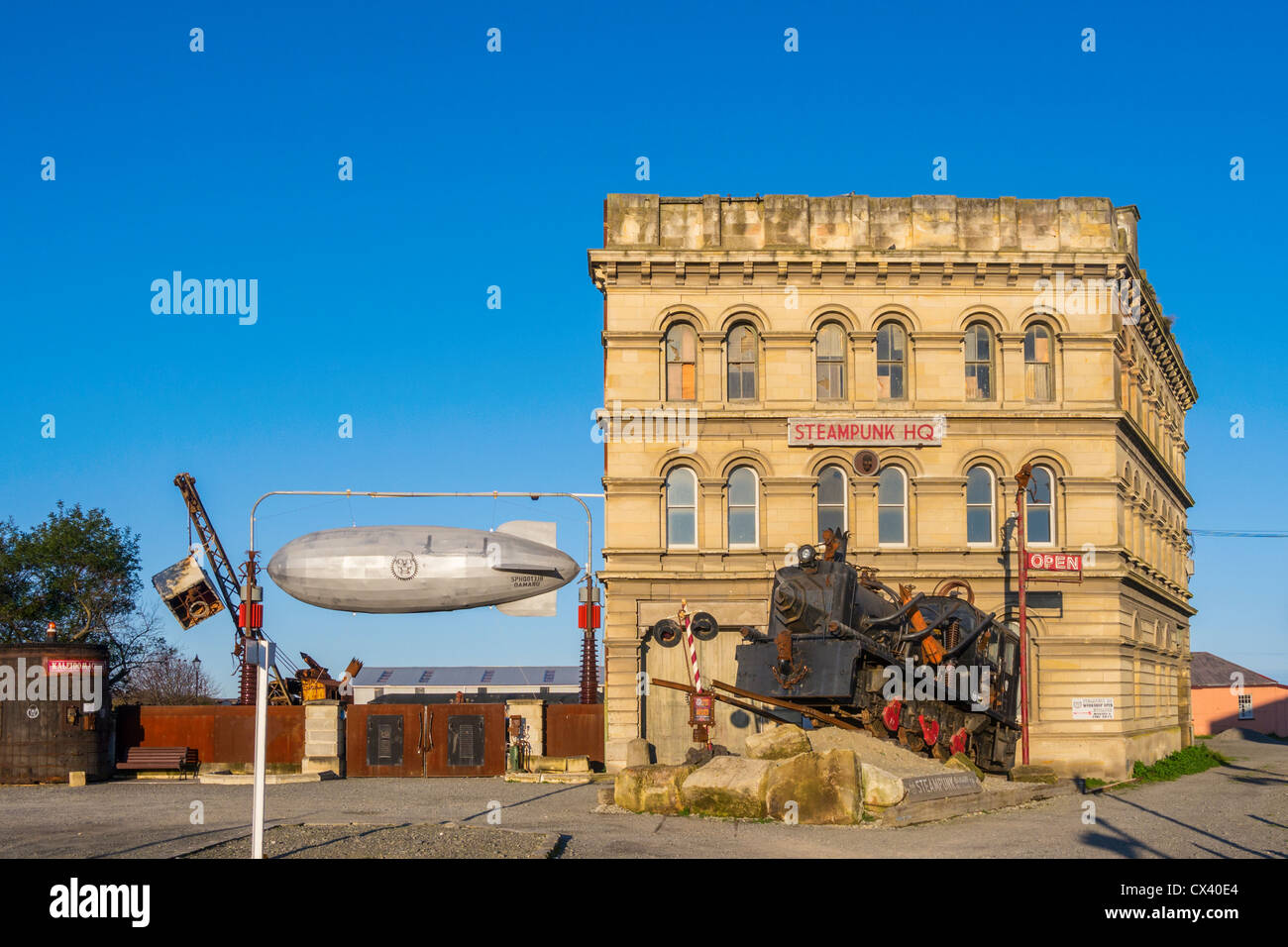 Steampunk HQ, an art gallery and work space in the Victorian Precinct, Oamaru, Otago, New Zealand - Stock Image