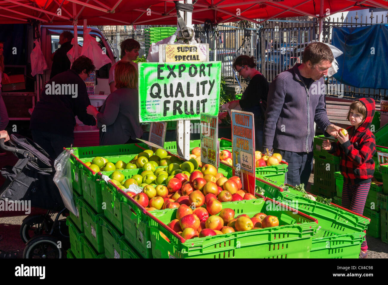 Export quality fruit for sale at a farmer's market in Dunedin, Otago, New Zealand. - Stock Image