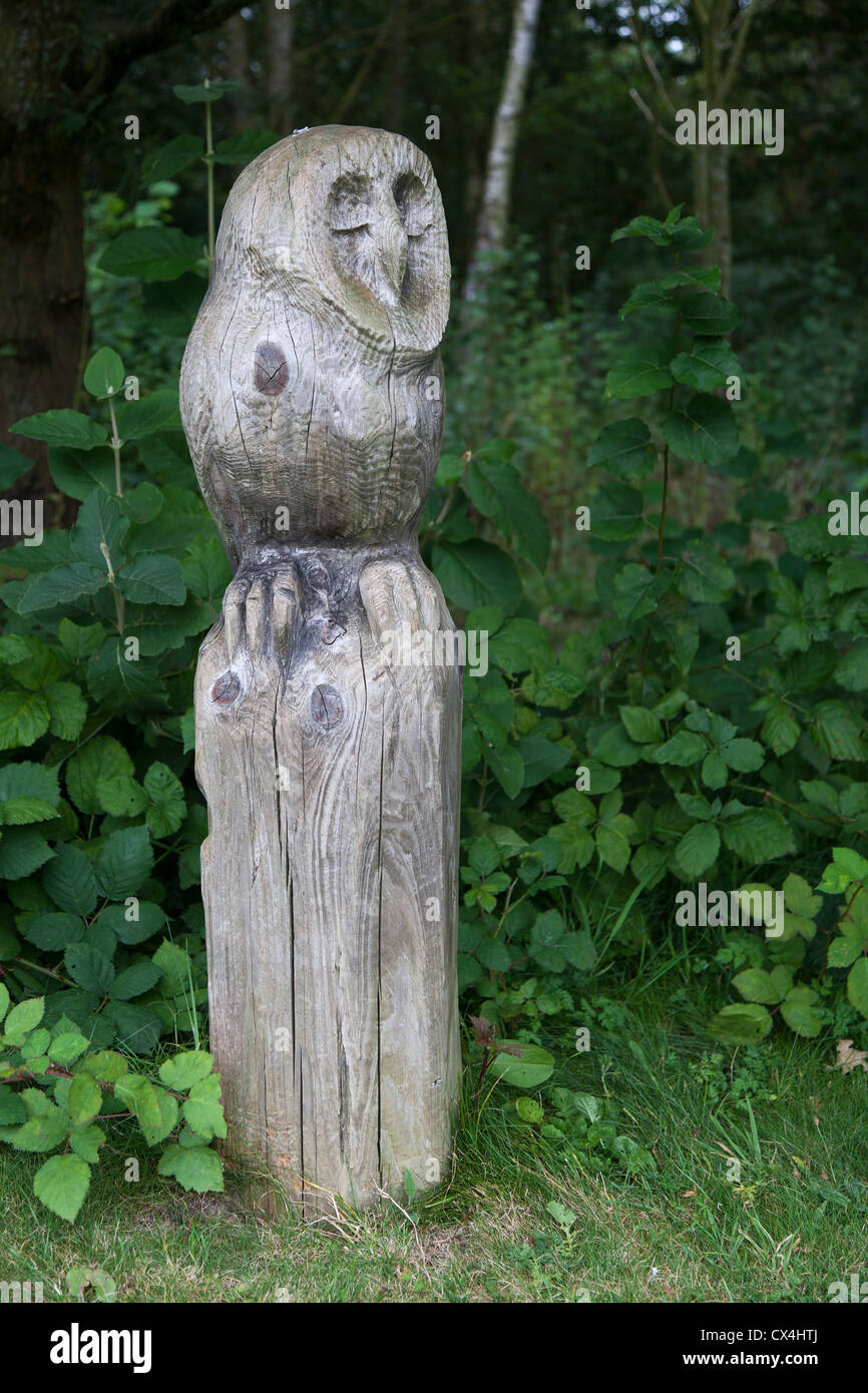 Owl carving stock photos & owl carving stock images alamy