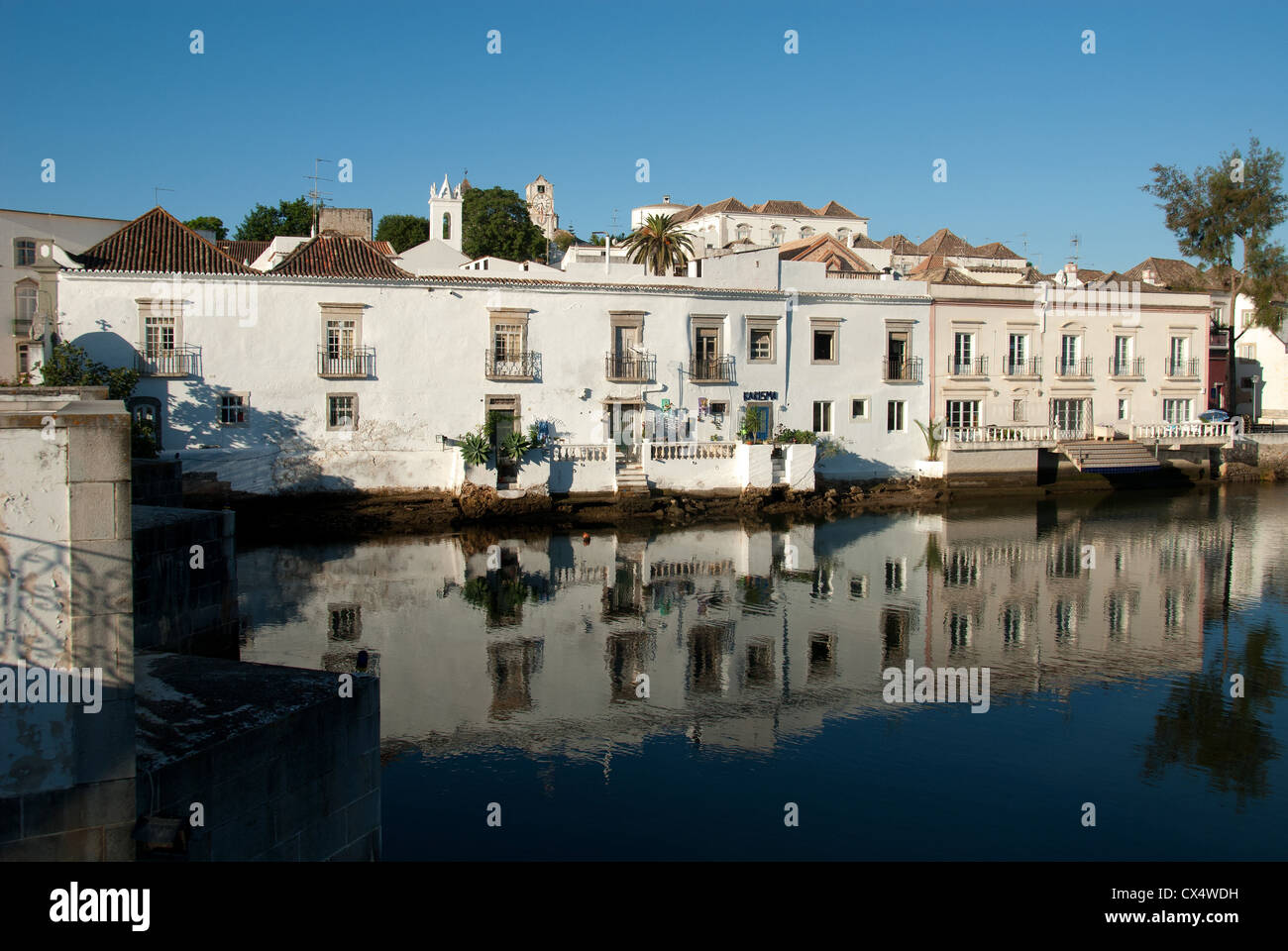 ALGARVE, PORTUGAL. The historic town of Tavira on the banks of the Rio Gilao. 2012. - Stock Image