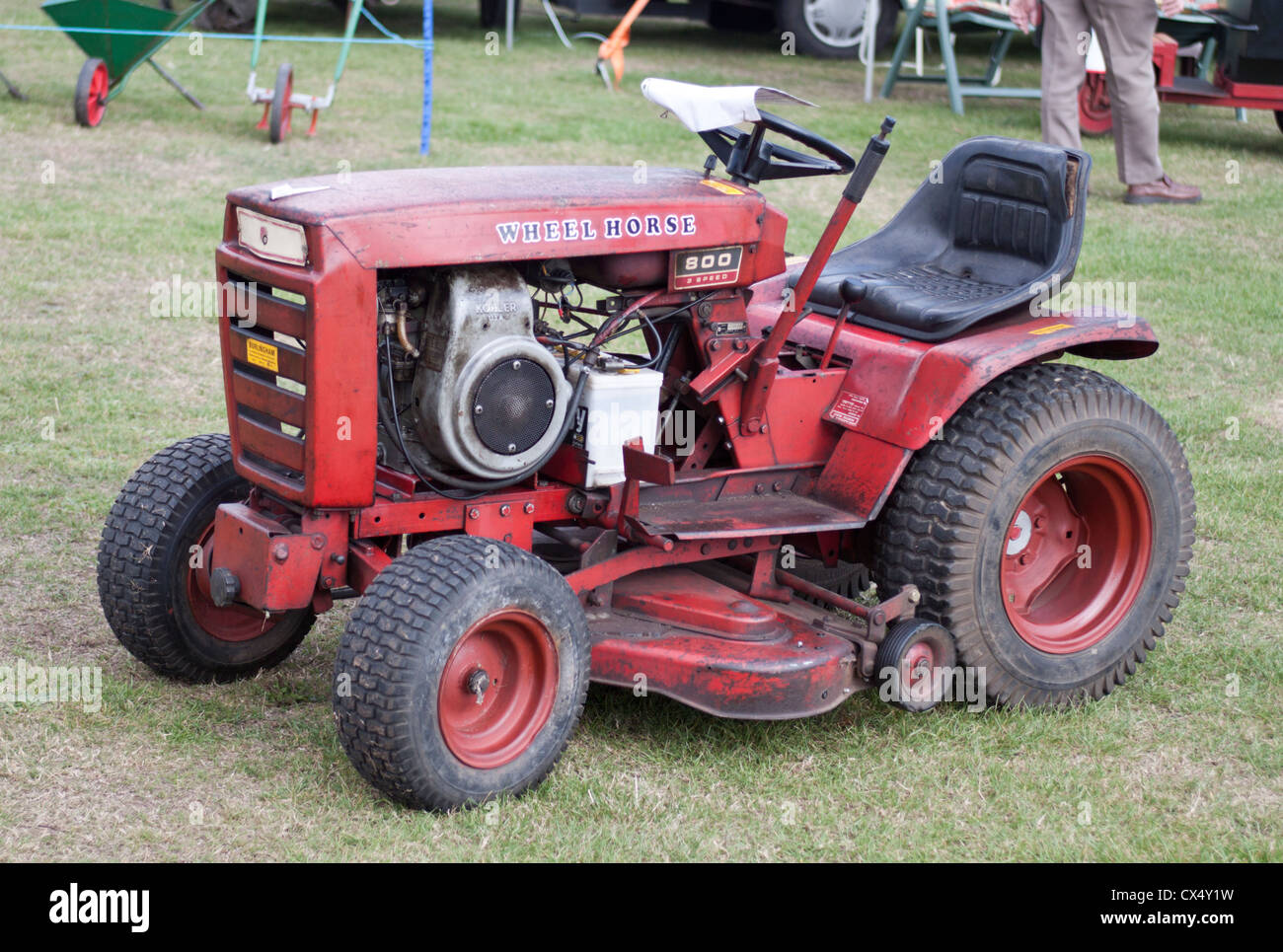 Wheel Horse Tractor Engines : Version wheel horse garden tractor with kohler engine