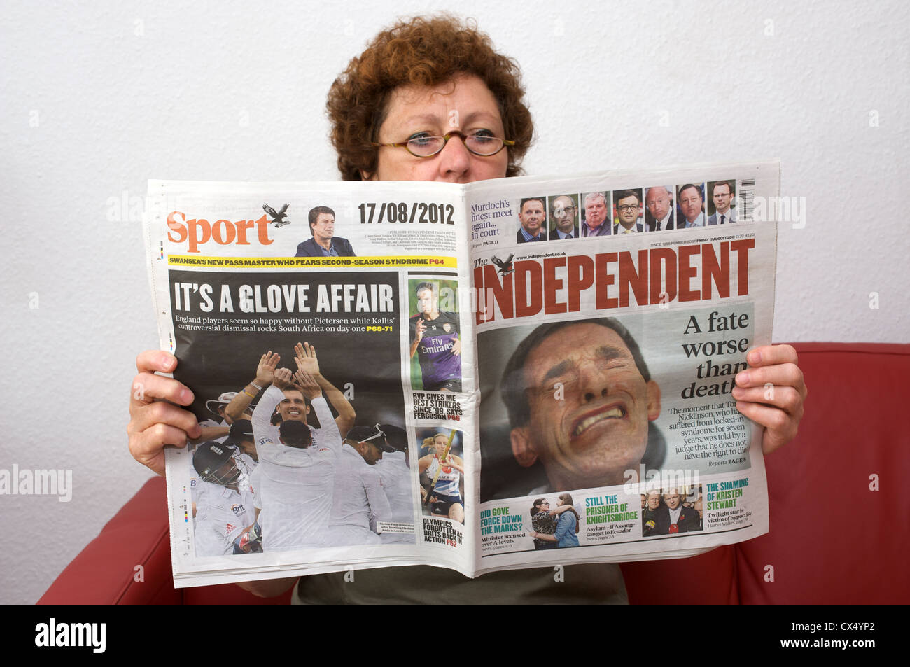 The Independent newspaper with the headline 'a fate worse than death' Stock Photo