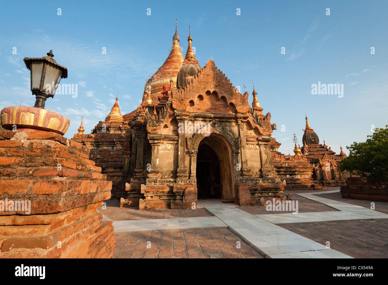Main entrance to Dhamma-Yazika Pagoda (Dhammayazika), Bagan