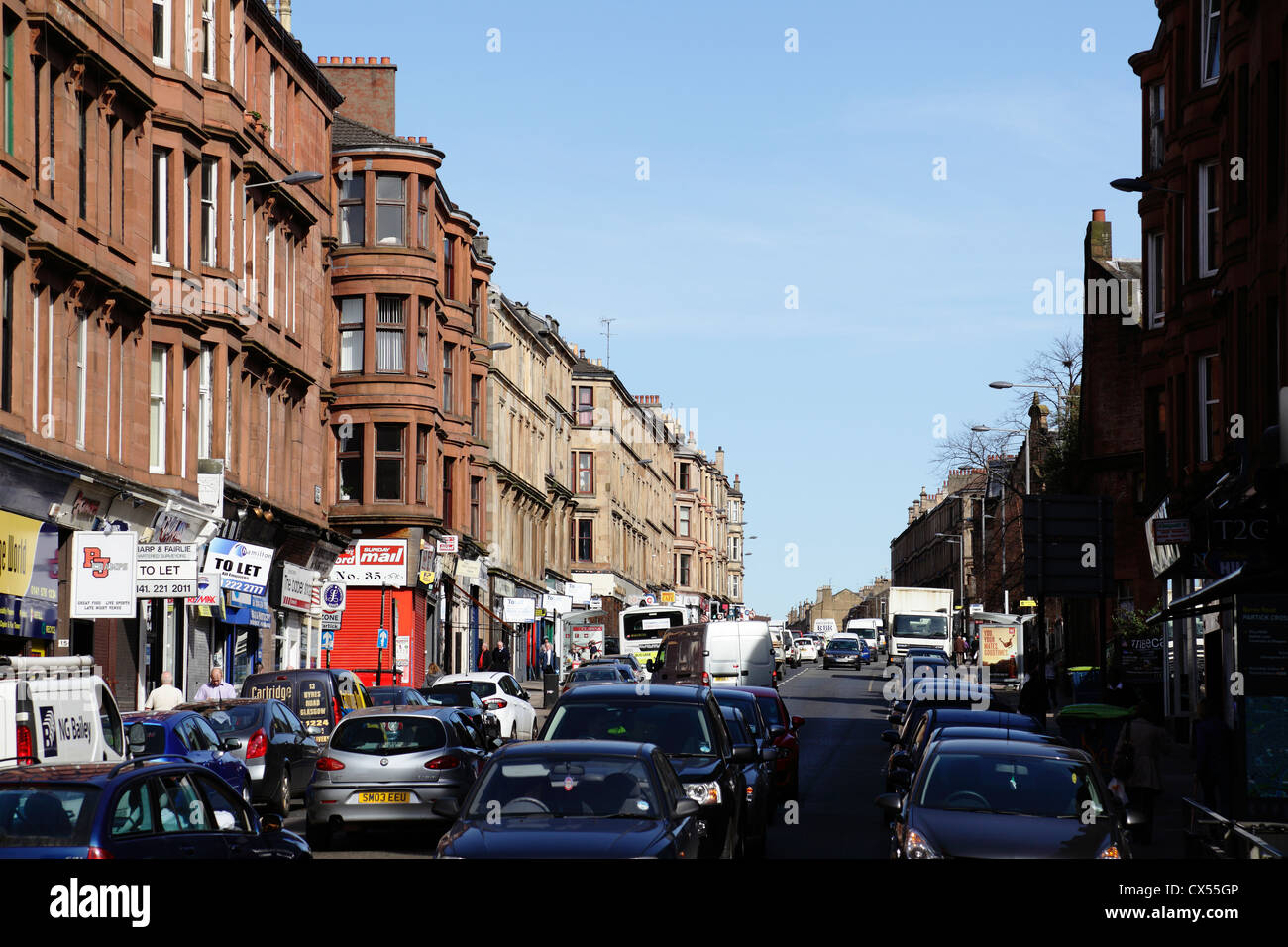 View looking North along Byres Road from Partick Cross in the West End of Glasgow, Scotland, UK - Stock Image