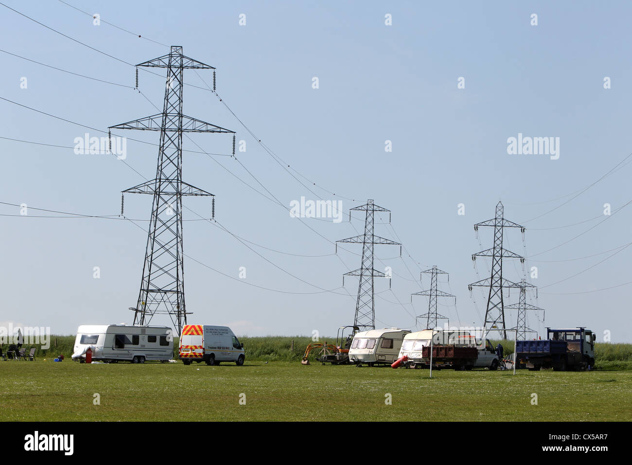 Travellers pictured temporarily living in a local park in Brighton, East Sussex, UK. - Stock Image