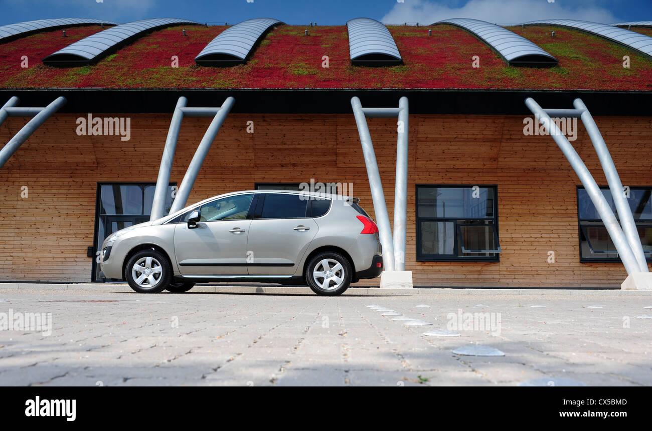 Peugeot 3008 Hybrid 4 - Stock Image