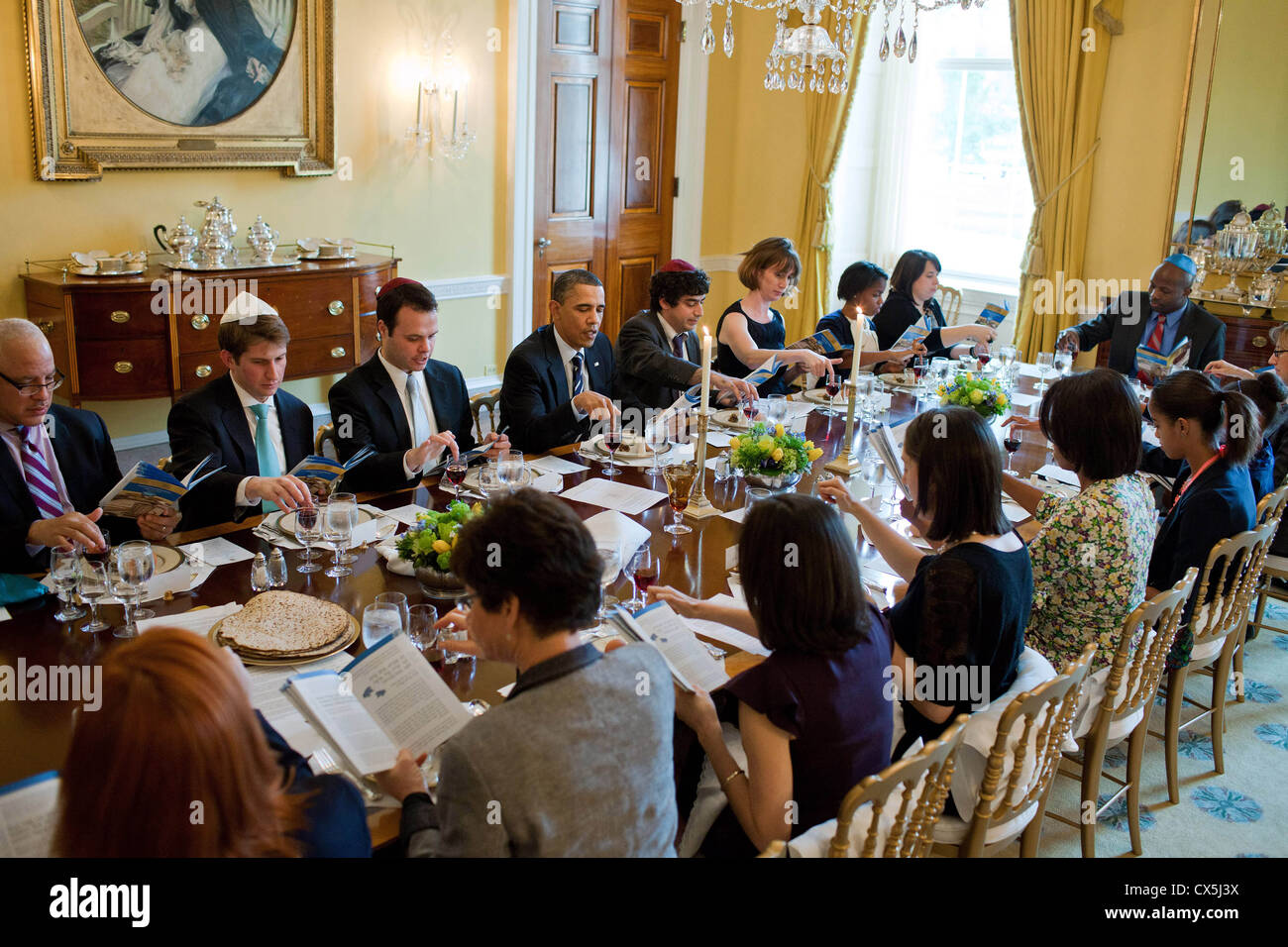 US President Barack Obama and First Lady Michelle Obama mark the beginning of Passover with a Seder in the Old Family - Stock Image