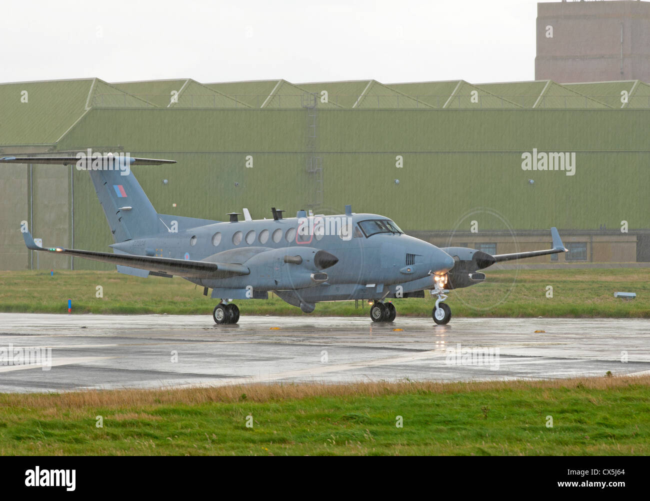 UK-AIR FORCE Hawker Beechcraft Shadow R1. (350CER). RAF Lossiemouth.  SCO 8504 - Stock Image
