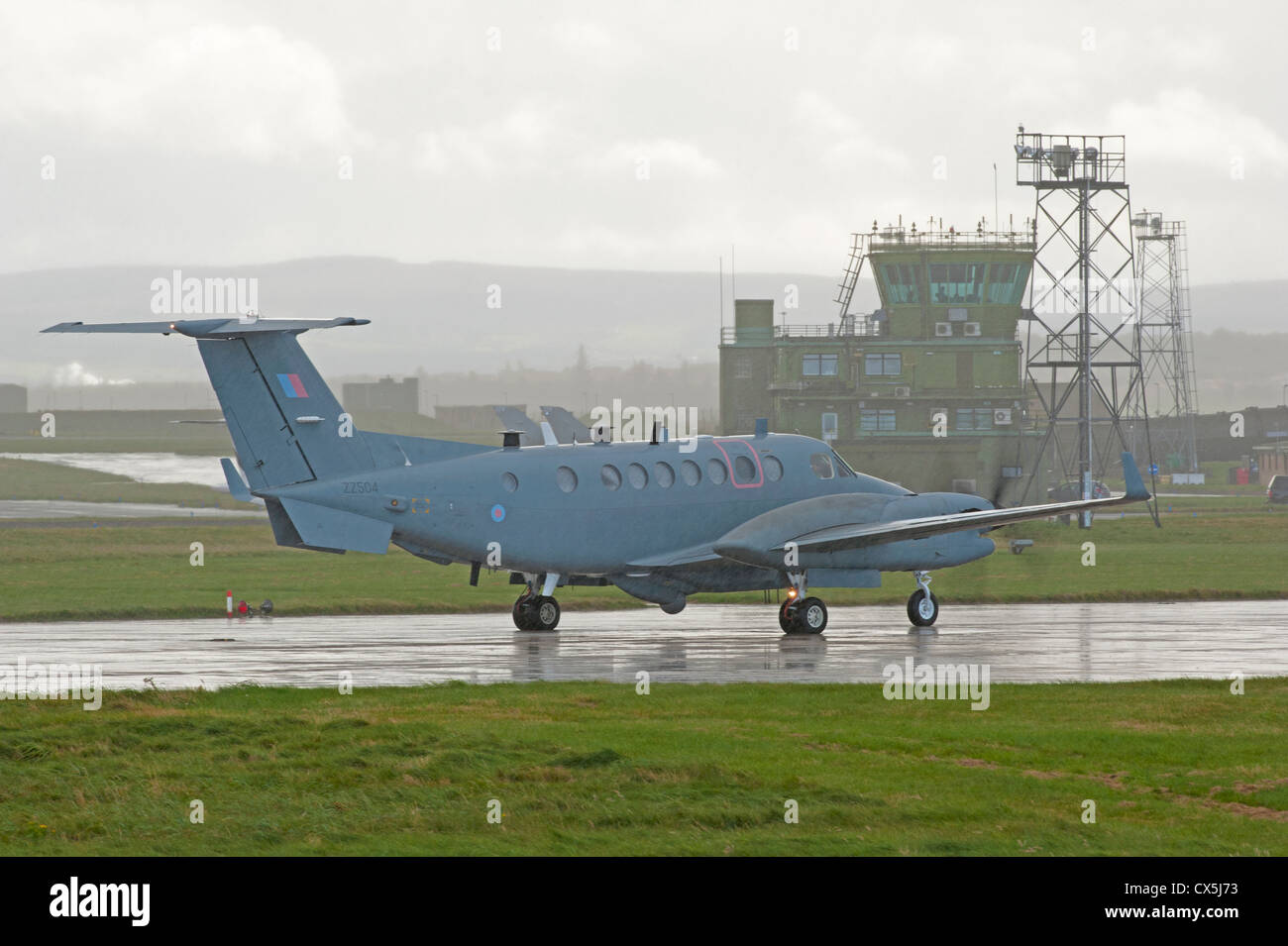 UK-AIR FORCE Hawker Beechcraft Shadow R1. (350CER). RAF Lossiemouth.  SCO 8505 - Stock Image