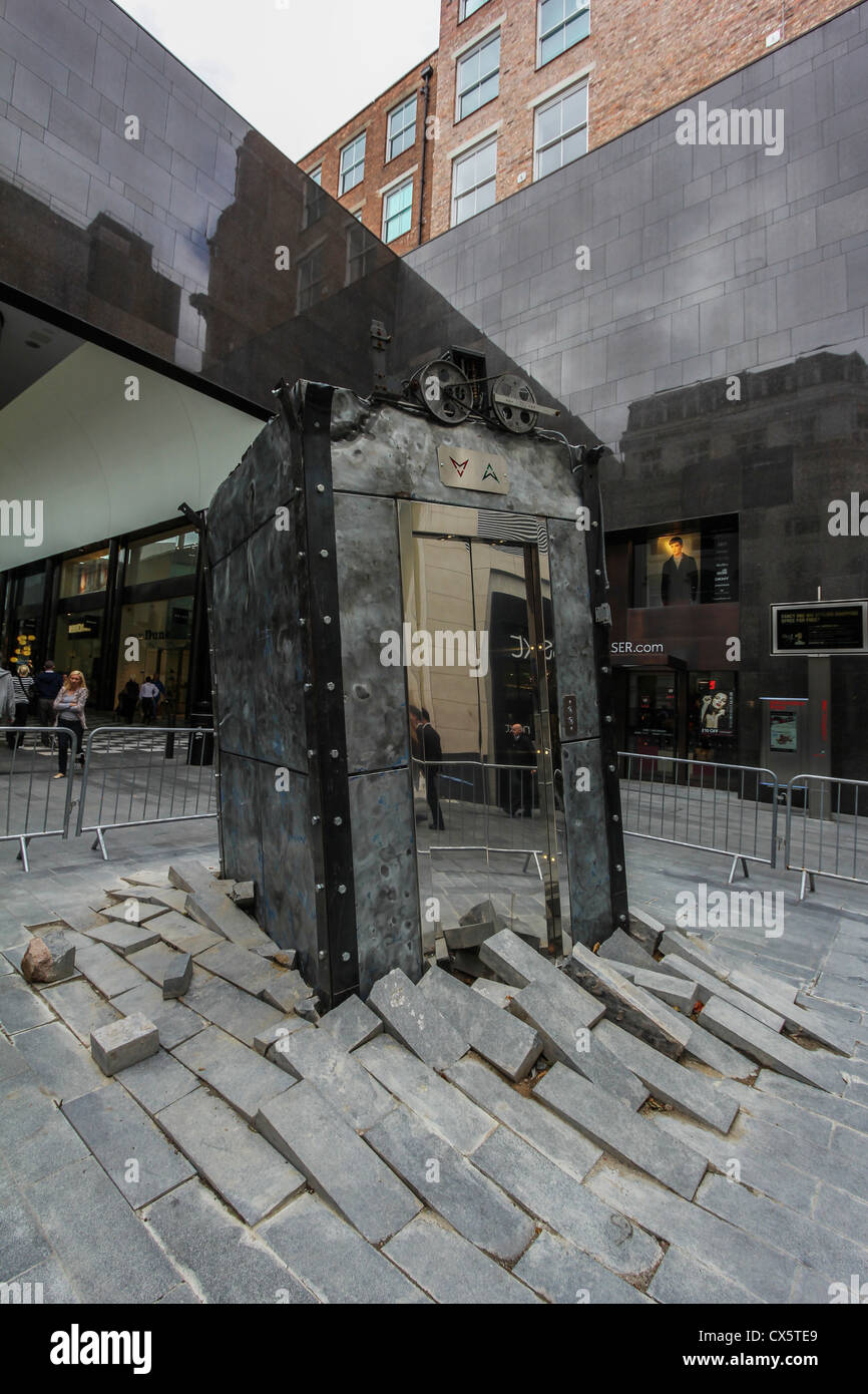 'The Lift', part of the 2012 Liverpool Biennial is Oded Hirsch's first public commission. - Stock Image