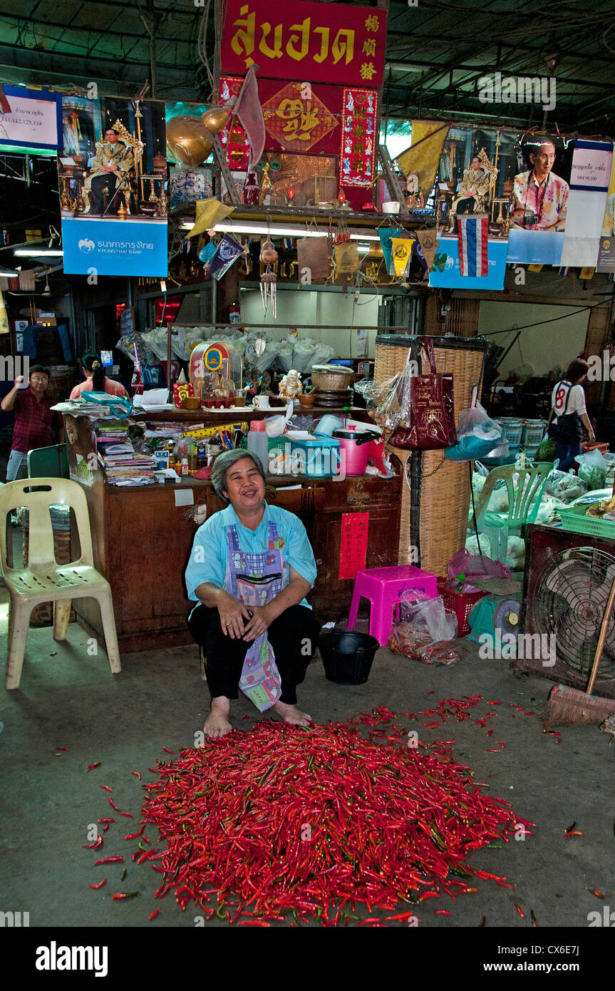 Bangkok Thailand Pak Khlong Talat Thai Flower Market  red peppers office bureau - Stock Image