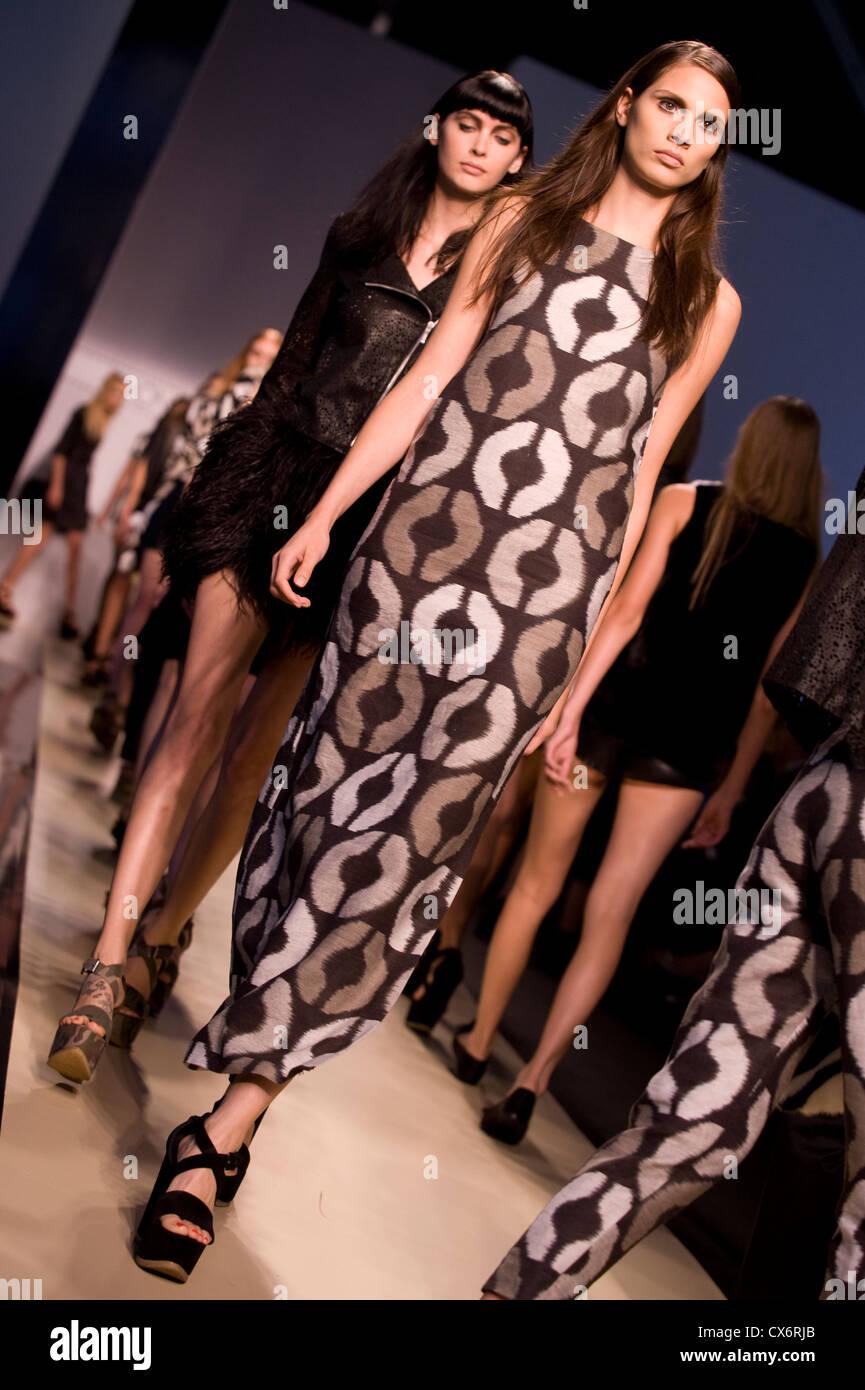 Simonetta Ravizza runway spring/summer 2013 milano fashion week september 2012 Stock Photo