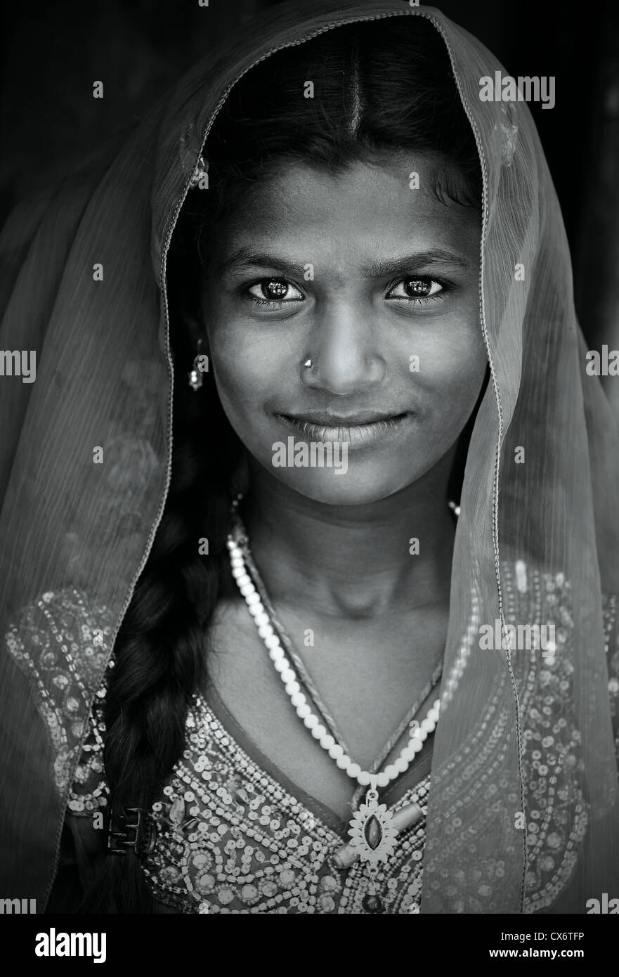 Nakad indian girl