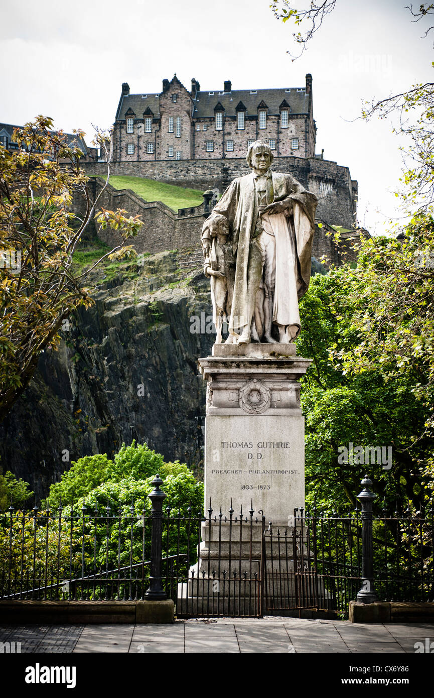 Edinburgh is the 2nd most visited city in the UK after London. Famous for its Festival and old centre with the Castle. - Stock Image