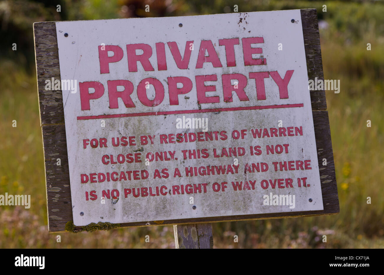 Warren Close - No public right of way sign, Hayling Island, Hampshire - Stock Image