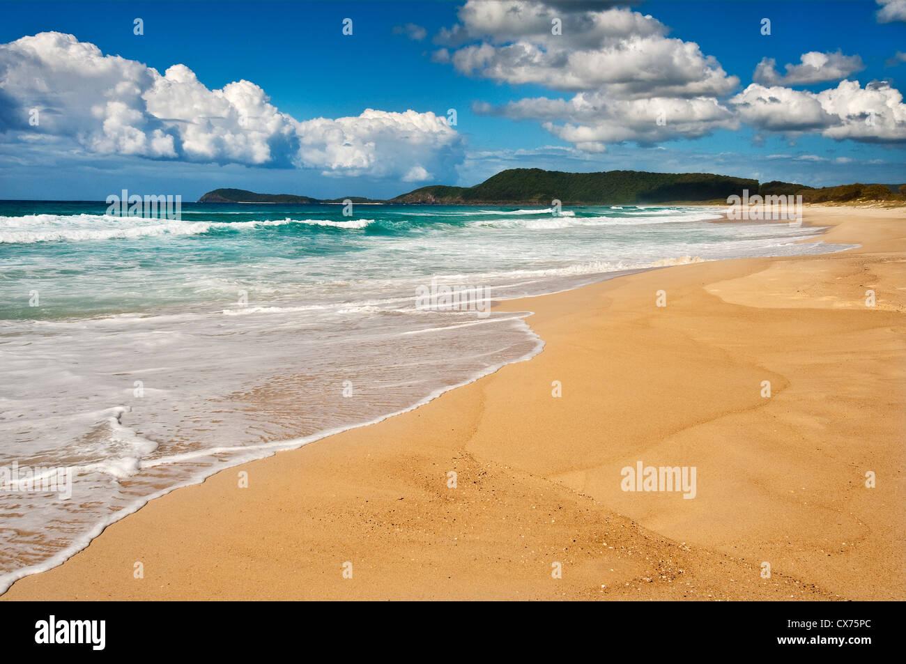 Pristine Seven Mile Beach in Booti Booti National Park. - Stock Image