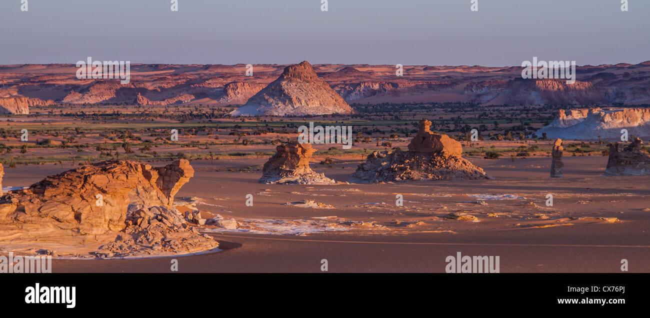 Sunrise ennedi mountains desert Chad - Stock Image