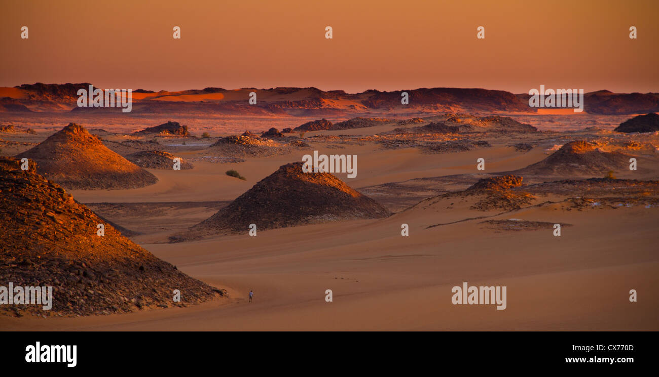 Sunrise ennedi mountains desert Chad - Stock Image