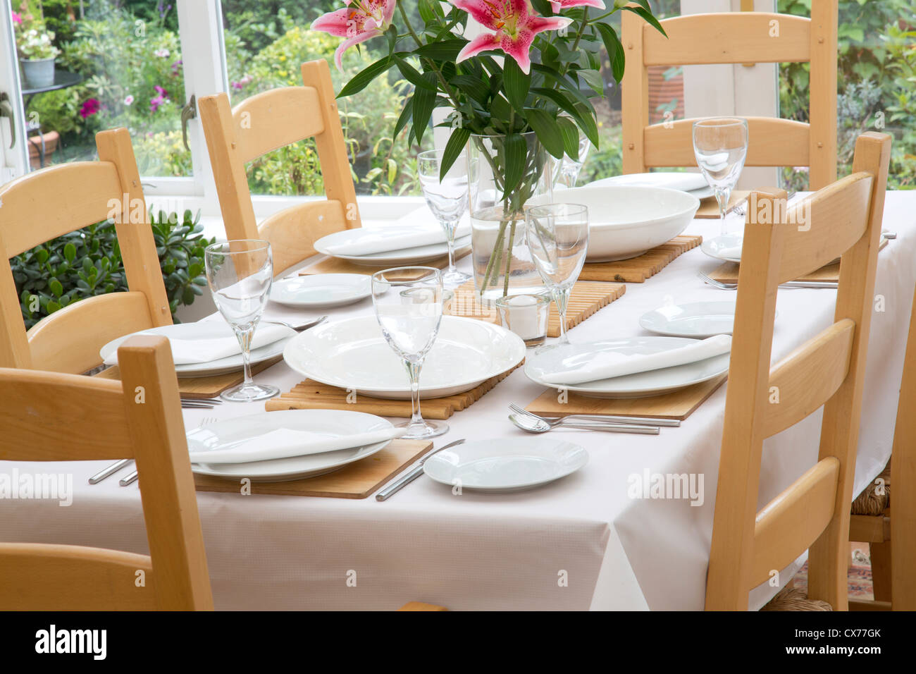 SET DINING TABLE - Stock Image
