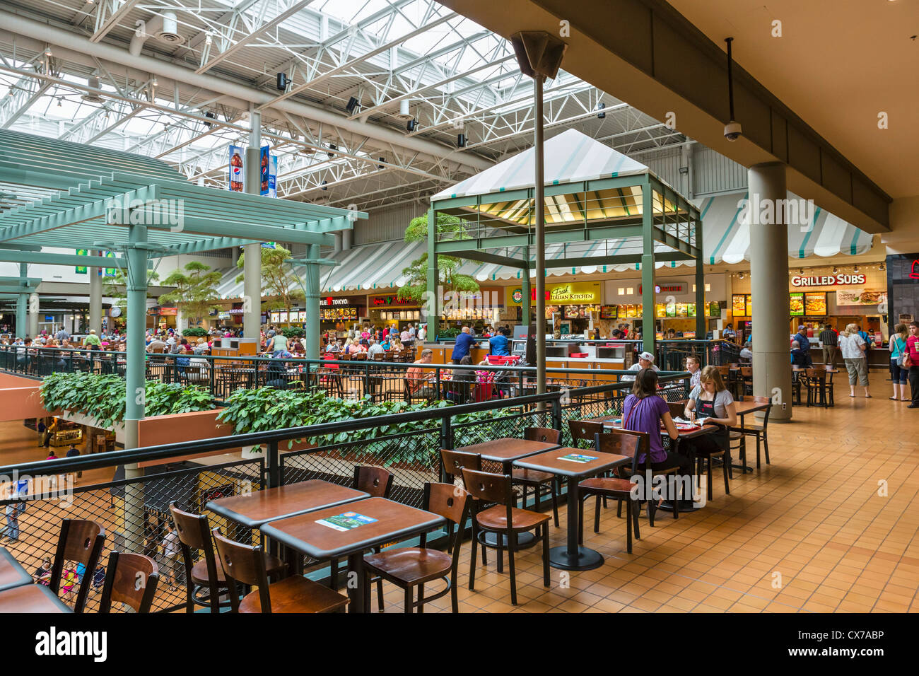 Food Court in the Mall of America, Bloomington, Minneapolis, Minnesota, USA - Stock Image
