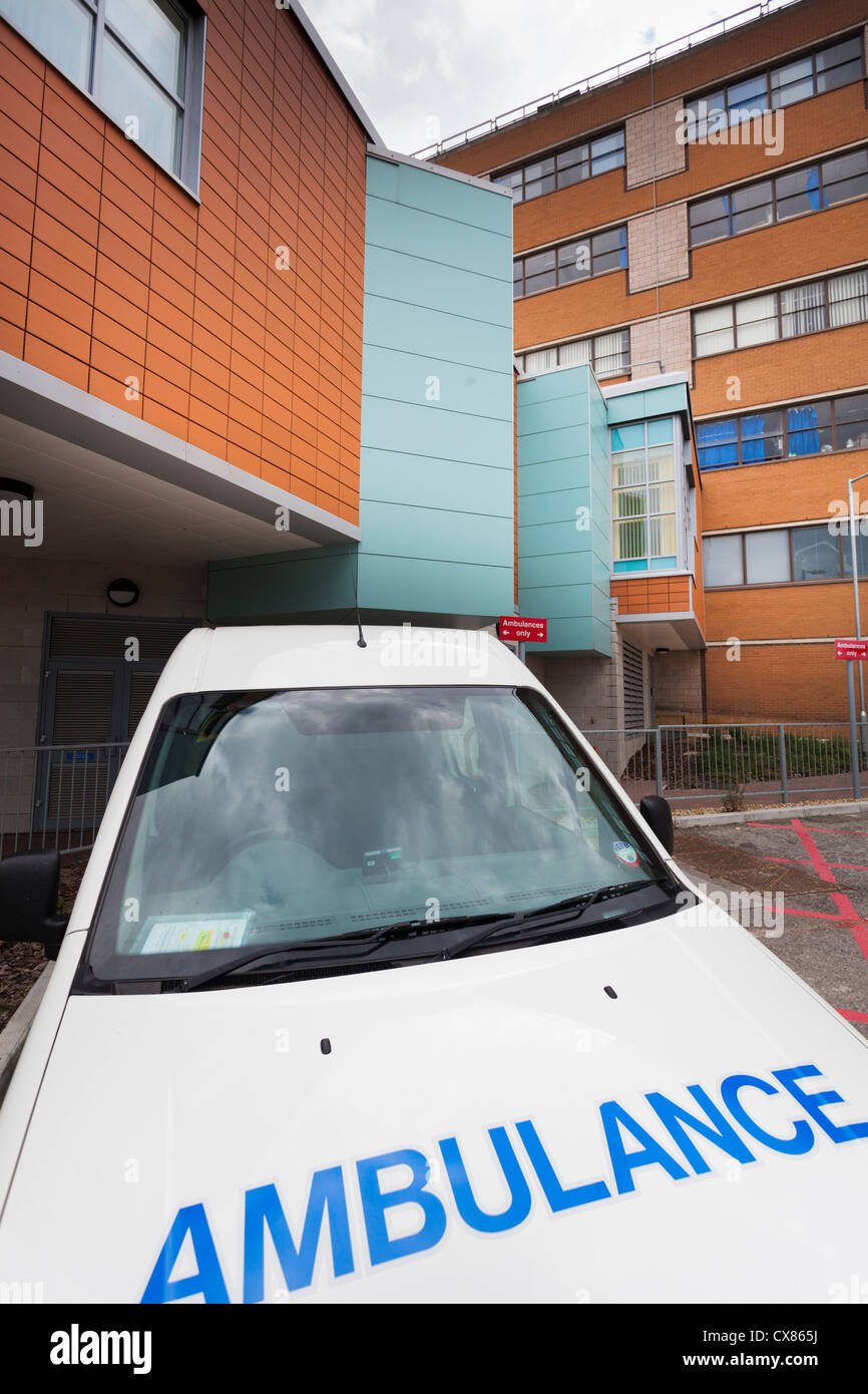 Ambulance parked outside the Haematology department of Southampton General Hospital - Stock Image