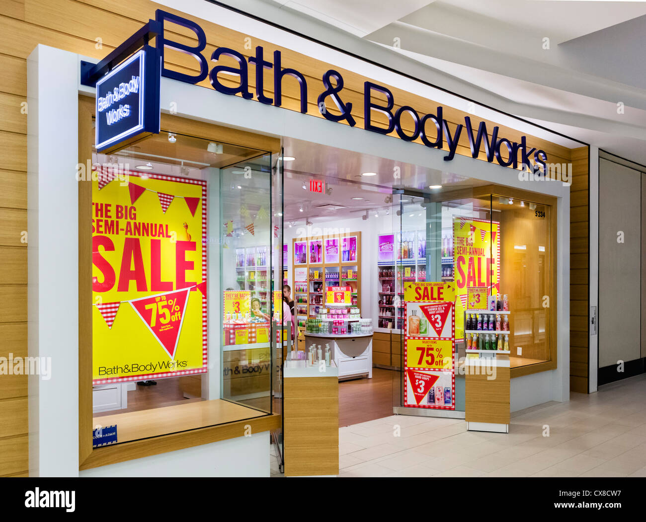 Bath Body Works Store In Stock Photos And The Mall Of America Bloomington Minneapolis Minnesota