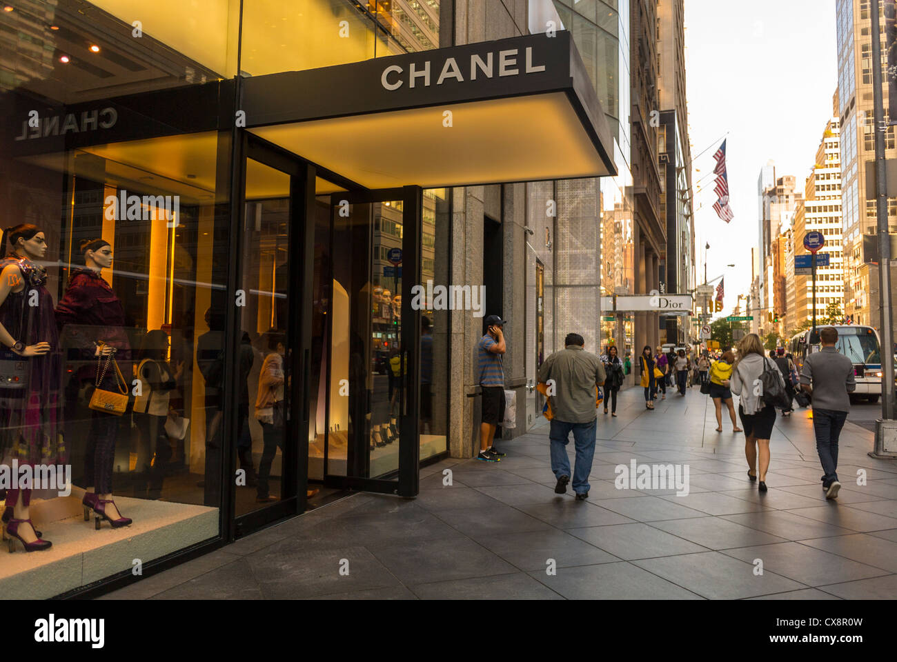New York Ny Usa People Shopping Street Scenes Luxury