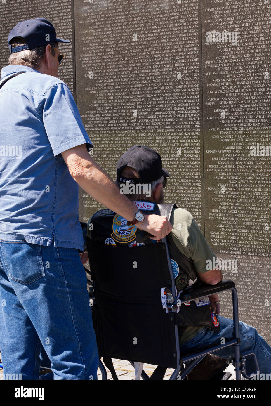 Disabled vet visiting the Vietnam War Memorial - Washington, DC - Stock Image