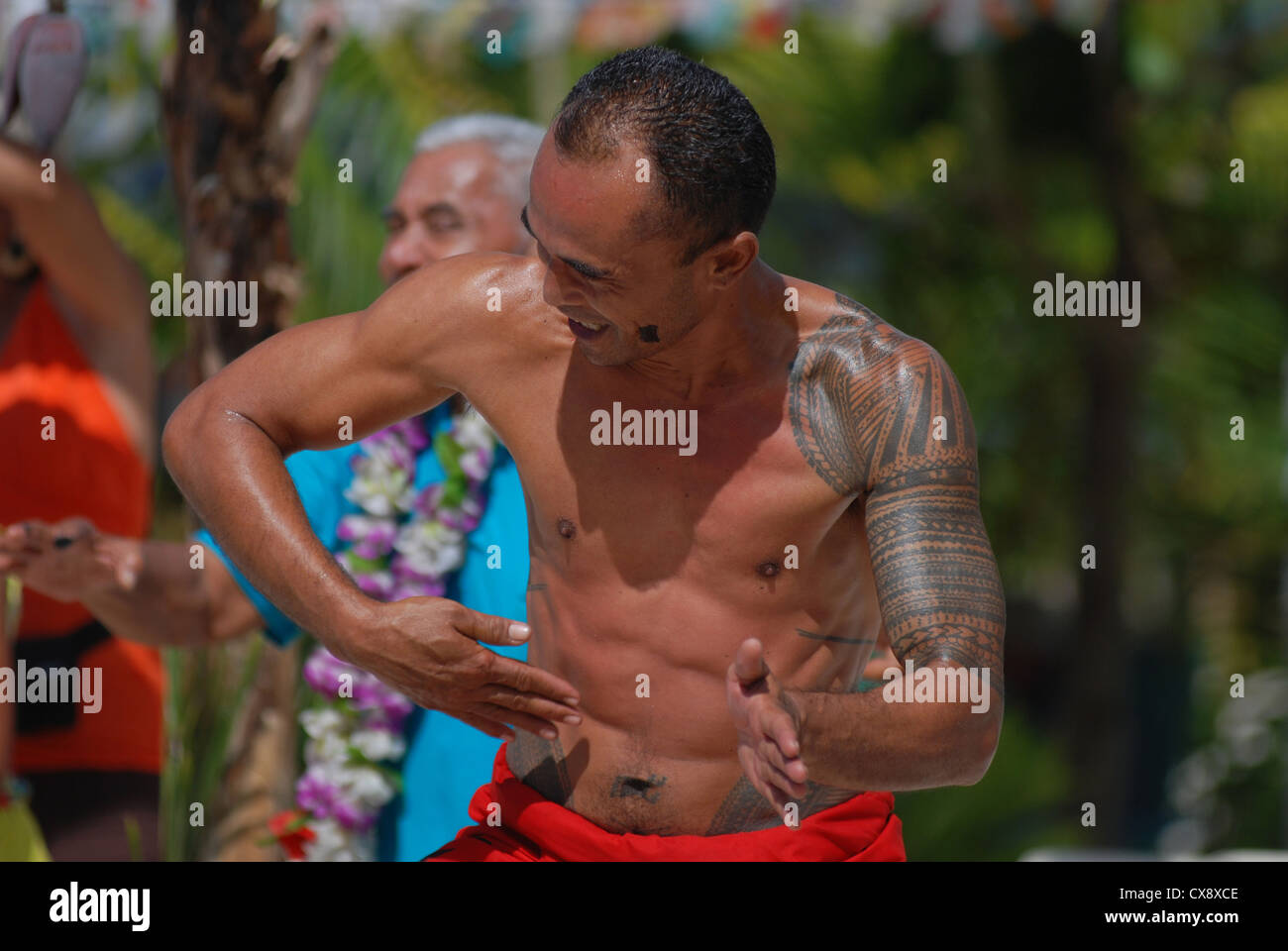 Samoan man performing the traditional Samoan fa'ataupati dance or slap dance as it is sometimes known. Savai'i - Stock Image
