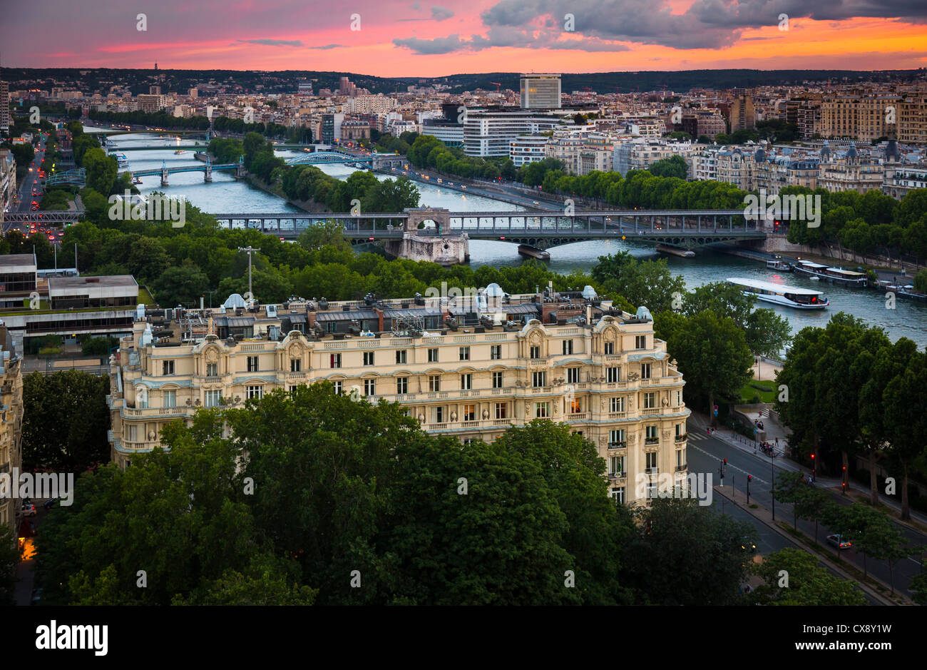 The river Seine and some of the many bridges that crosses it as it snakes its way through Paris, France - Stock Image