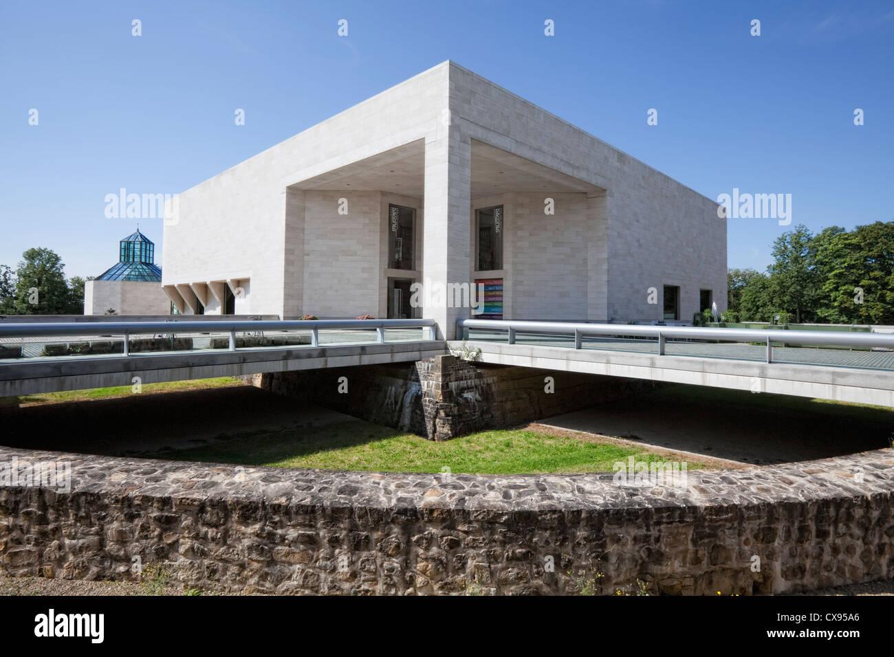 Art Moderne Architectural Facade Stock Photos & Art Moderne ...