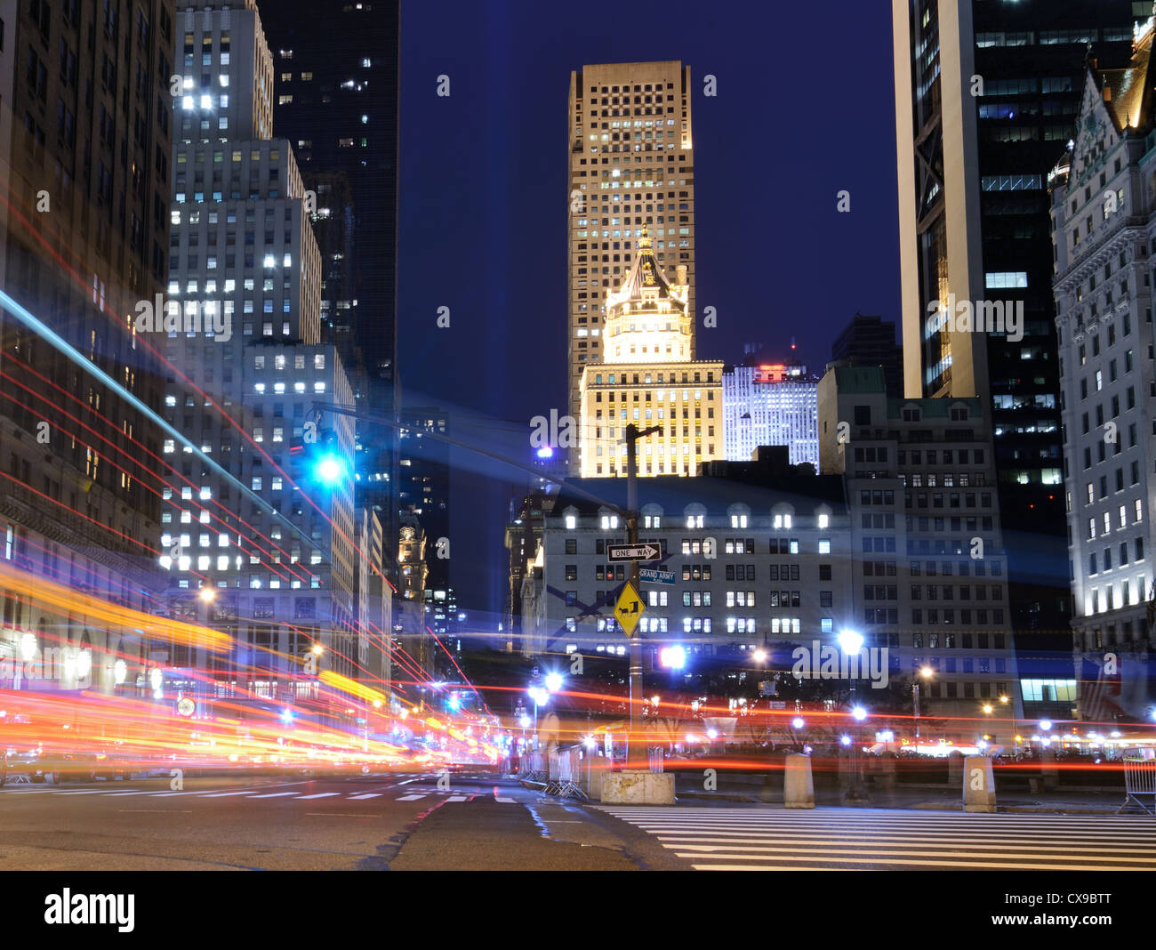 5th Ave traffic in New York City - Stock Image
