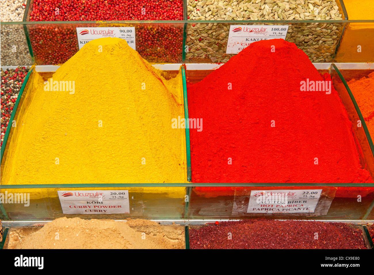 Spices, Egyptian bazaar, Istanbul, Turkey - Stock Image