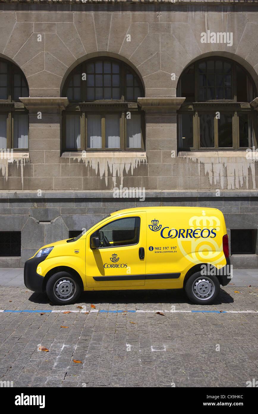 Spanish postal service Correos van. - Stock Image