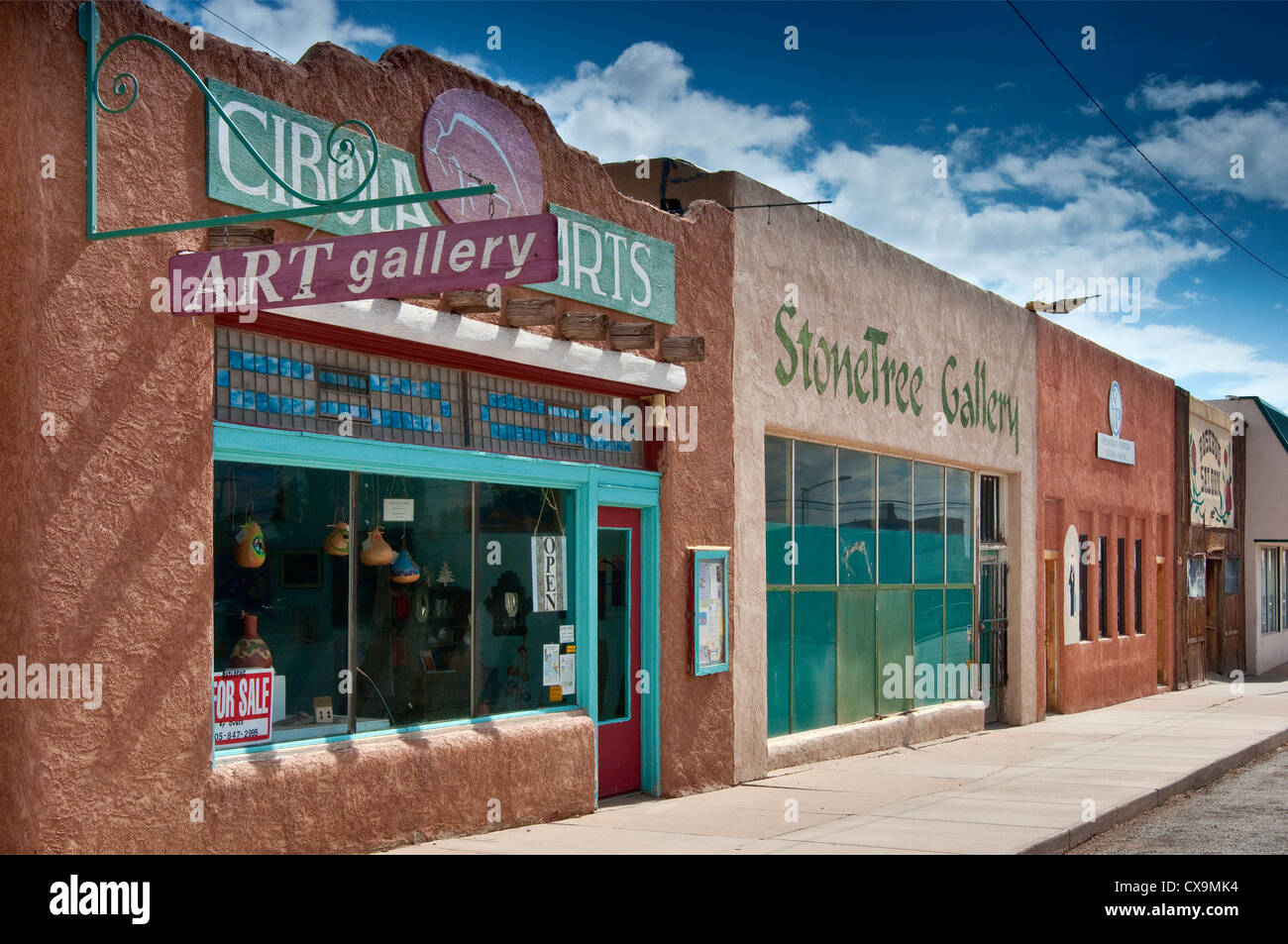 Art galleries on West Broadway in Mountainair, New Mexico, USA - Stock Image