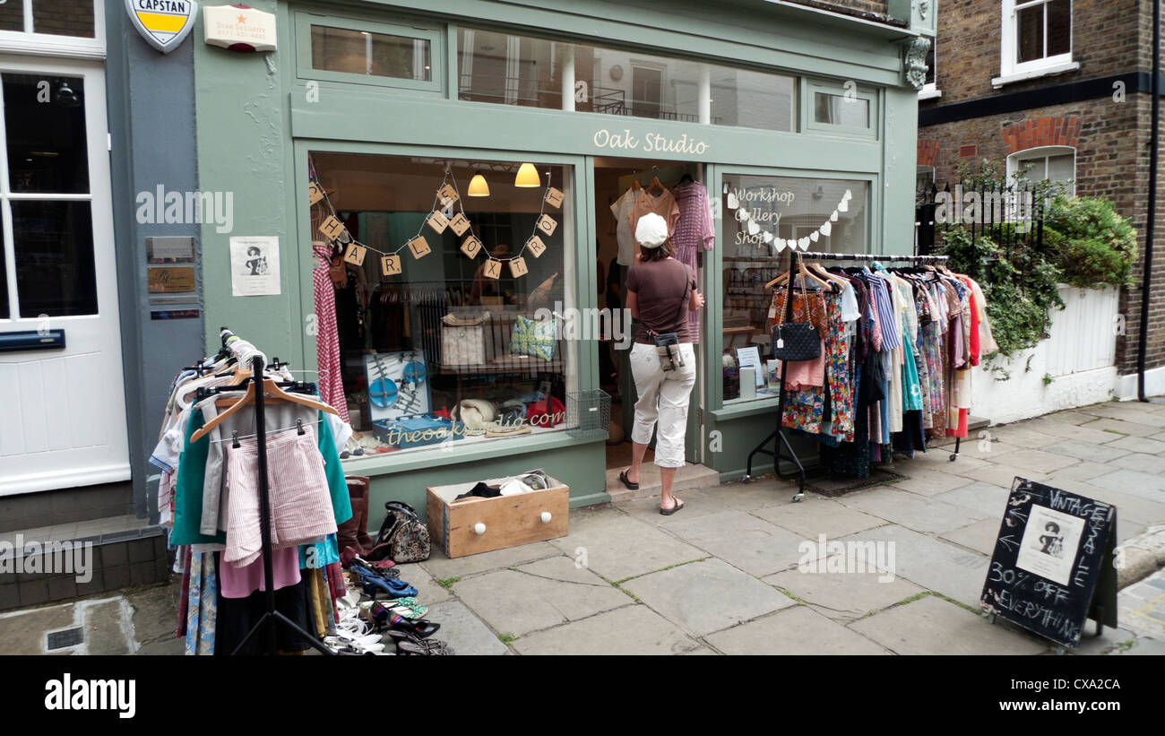 Vintage Clothing Market Uk
